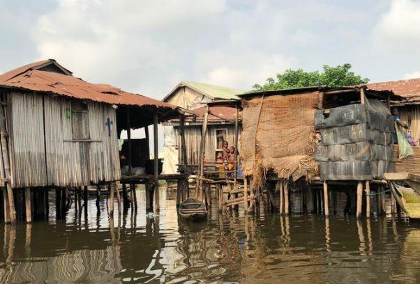 """世界上最有趣水村:3万族人生活在水上,被称为非洲""""威尼斯"""""""