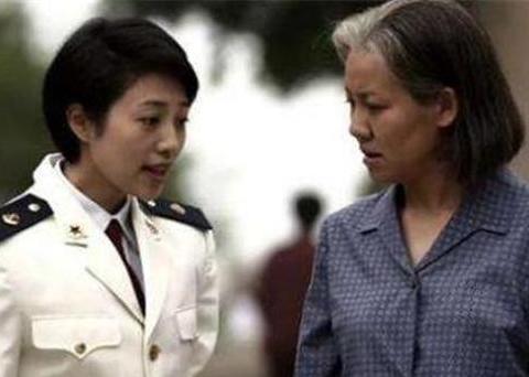 父母爱情:孟主任为何追不到江亚菲,却能俘获江亚宁的芳心?