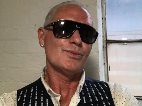 判若两人!52岁巨星斥巨资戒酒成功,曾因喝酒导致破产+流落街头