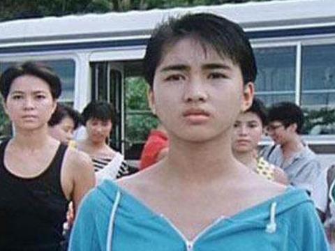 """女星出道前长什么样?杨颖平平无奇,这个""""弟弟""""是黎姿?"""