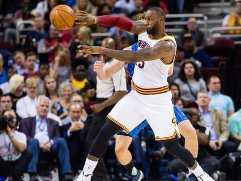 詹姆斯的传球质量好不好?NBA记者曝光:3项数据第一!