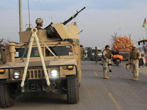 阿富汗传出一个噩耗,1名美军在执行任务时遇袭身亡