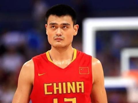 阿联一句'比不了'令人心酸,易帝成了中国男篮孤独的守望者
