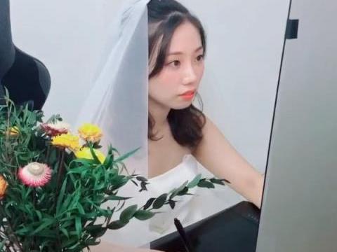 新娘婚礼当天竟被拉去加班,网友:加班是真爱,新郎只是意外