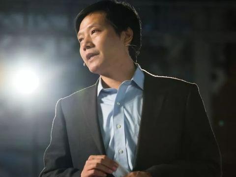 刘强东的偶像是任正非,马云偶像是李嘉诚,那雷军的偶像是谁