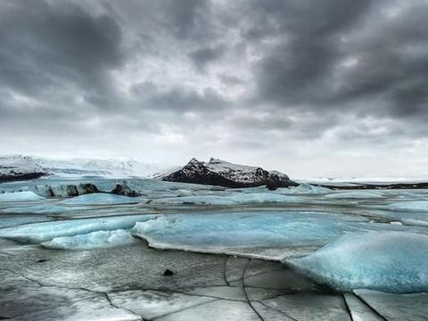 见过钻石沙滩吗?在冰岛的冰河就能欣赏