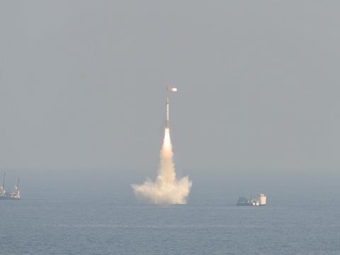 印度成功试射K-4潜射导弹:射程超3500公里可带核弹头
