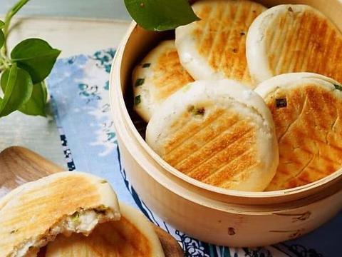 冬季早餐需能量,做出柔软葱花饼就这简单几步,没难度就是好吃