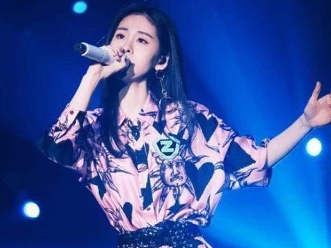 她曾在《中国好声音》输给张碧晨,现在身家过亿成赢家