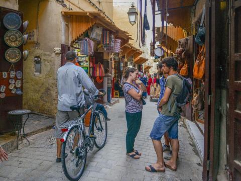 """摩洛哥最古老的城市,近万条街巷如迷宫,游客被""""转晕""""却很享受"""