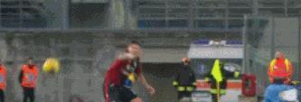无缘对决伊布!巴洛特利替补7分钟被罚下,浪费俱乐部一片苦心