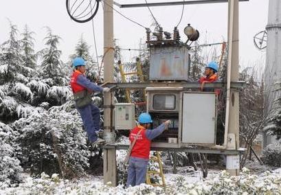 国网大名县供电公司积极应对冰雪天气
