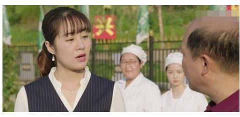 """""""两代""""王小蒙近况:王亚彬成舞蹈家,她却开启多肉身材?"""
