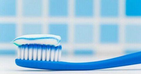 这样做延长牙齿寿命 选择适合自己的牙膏