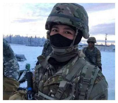 25岁女孩加入美国效忠美军,只为获得绿卡,中国:不承认双国籍