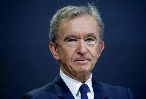 LV总裁挤掉亚马逊创始人成世界首富 网民:要感谢中国人