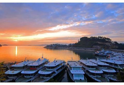 春节期间,钱塘江夜游船每天一趟,千岛湖有三条旅游线