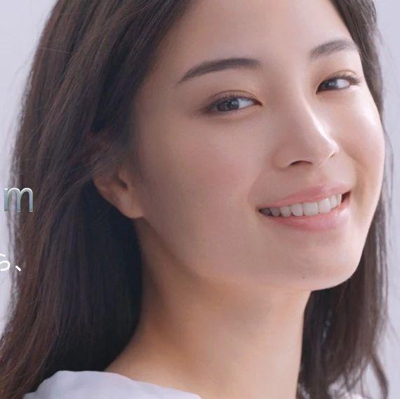 广濑铃成为资深堂新代言人:向成熟美人蜕变的第一步