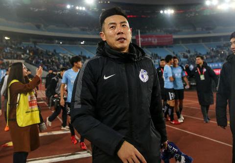 秦升加盟上海申花吗?他的妻子发言暗讽球队力挺丈夫!