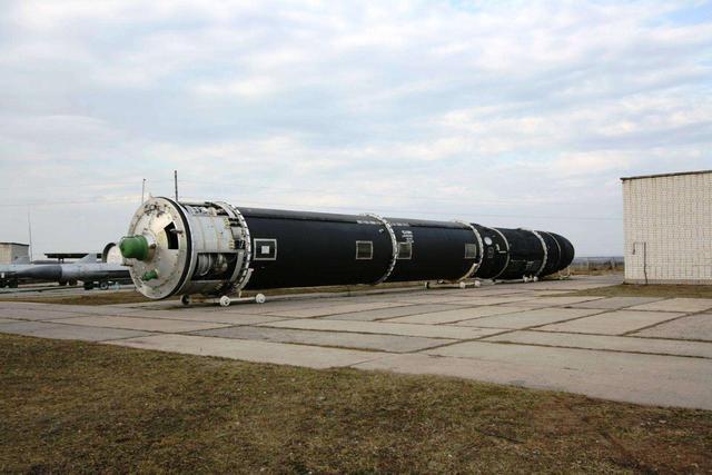 俄欲拆除2枚洲际核导弹,可回收2.4千克黄金,网友:上了美国恶当