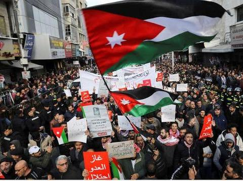 刚刚进口首批以色列天然气,约旦议会为啥突然要求禁止进口?