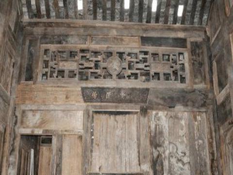 大爷住400多年老房子 拆迁才发现全是金丝楠木搭建,价值8亿