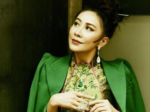 刘嘉玲晒苏州园林拍的写真,网友却曝内幕,她早卖了苏州亿万豪宅