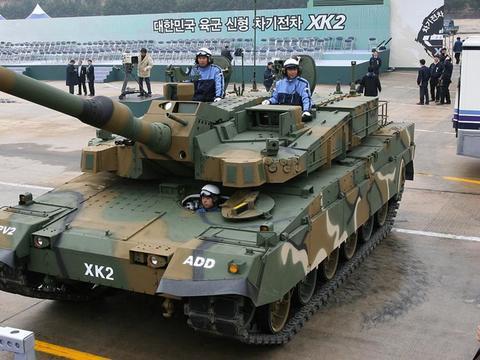 韩国坦克可击穿7辆99式?停产两年还在吹,如今连水泥墩都过不去