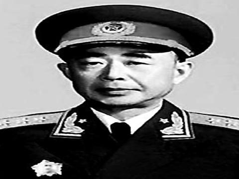四平保卫战之后陈明仁为何让蒋介石撤职