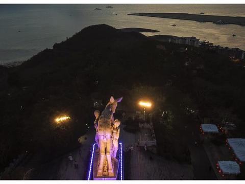 海南岛最南端的山头,三亚日落最美的地方,海南岛最高雕塑也在这