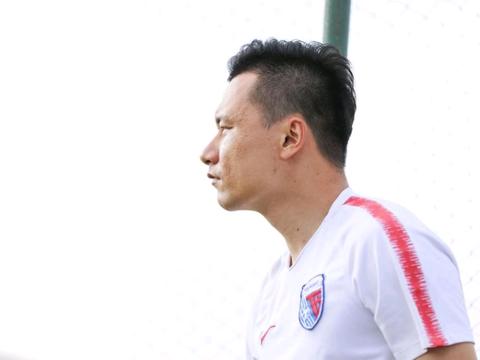 记者透露:郜林现在转会有多个选择,但是顺利的话首选是天津天海