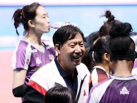 王宝泉携李盈莹姚迪出席天津女排球迷见面会,为什么朱婷却缺席?