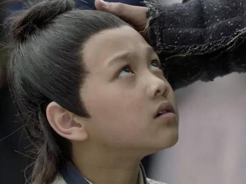 《庆余年》演员妆容有多夸张?程巨树剧中长相恐怖卸妆后成小鲜肉