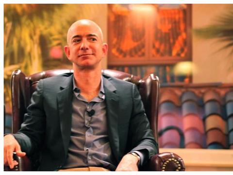 """新世界首富诞生!打败比尔盖茨贝佐斯,8000亿财富全靠""""买""""?"""