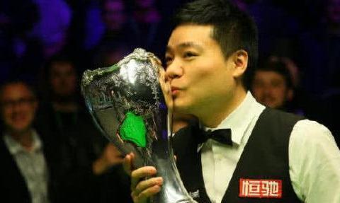 丁俊晖冲第15冠!首轮对阵44岁老将,谨防大师赛开局慢热