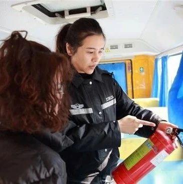 永州市凤凰园交警大队开展校车安全检查工作