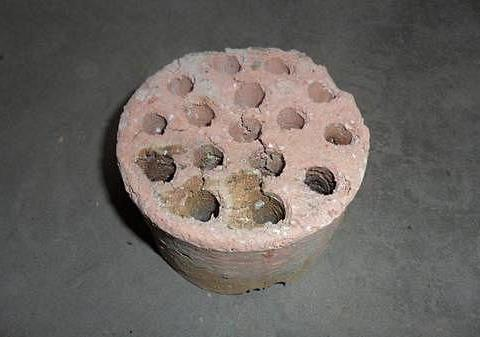 宠物猫可以使用蜂窝煤替代猫砂?别贪小便宜,小心尿路感染