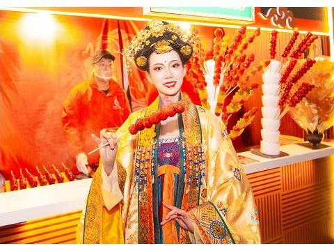 不倒翁小姐姐商演不断,被邀请参加湖南卫视元宵喜乐会,真有排面
