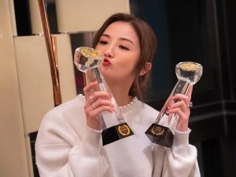 任达华出席蔡卓妍双料影后庆功宴,透露伤势痊愈年后正式复工拍戏