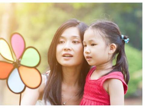 家庭中出现3个迹象,说明父母教育的好,看看你家的在其中吗?