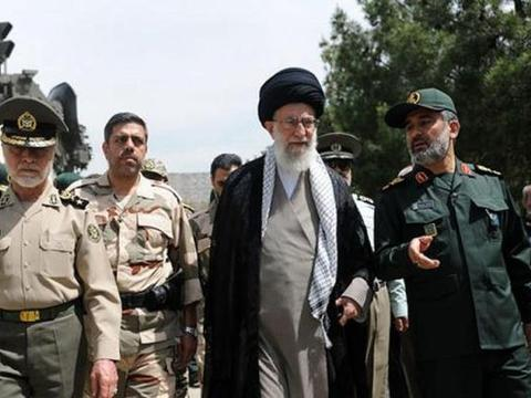 伊朗再熬九个月,俄罗斯大批军火就到了:美国会给这个机会吗?