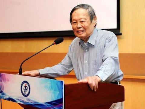 """杨振宁的""""最后一战"""",97高龄不放弃,阻止中国建造超大对撞机!"""