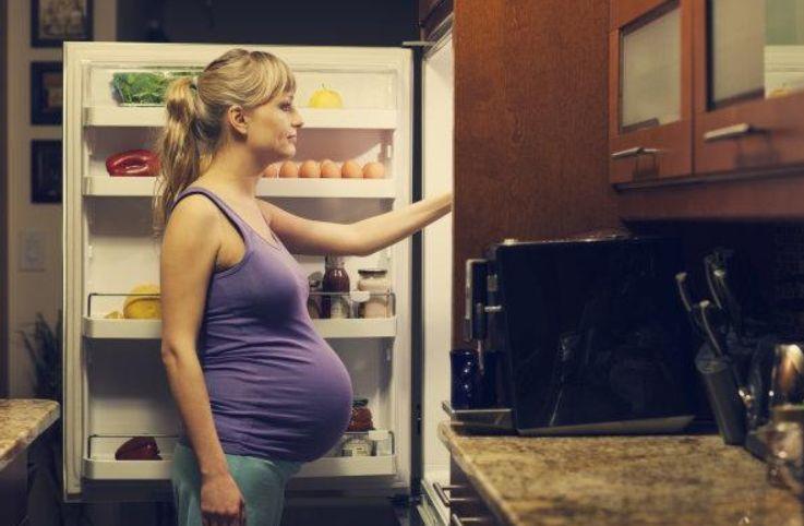 坐月子期间,这4件事产妇最好要忍住别做,不然容易落下病根