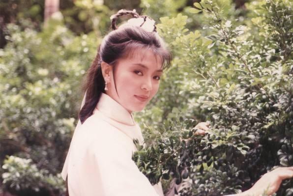 香港前TVB女星陈玉莲,曾得到过两大男神的爱情,令多少人羡慕