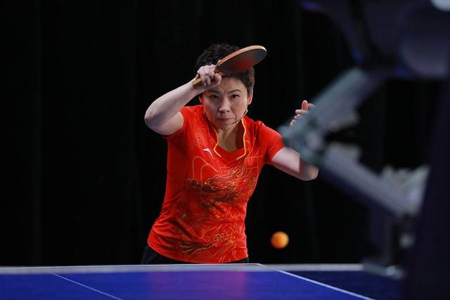 47岁邓亚萍,退役剑桥读博深造,曾同俞敏洪创业,儿子亦乒乓天才
