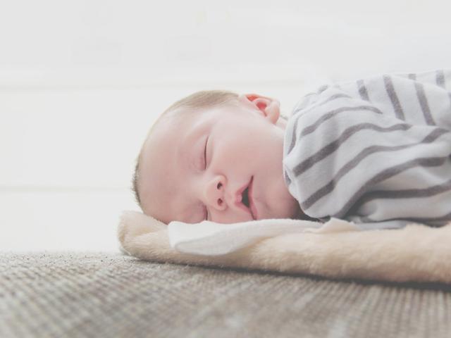 原来宝宝们长牙这么痛苦!妈妈们从这几个方面可以帮助缓解