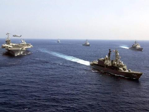 伊朗不再是首要目标,美军四大航母奔赴亚太,大国成警告对象