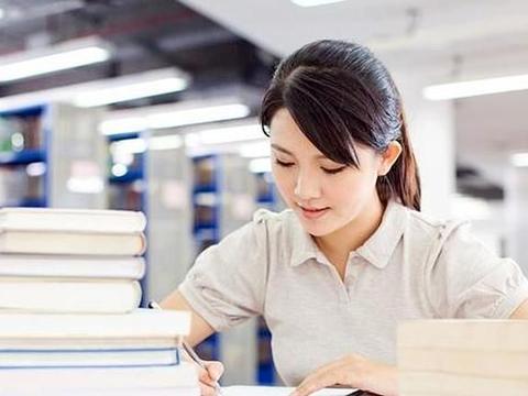 春节是团圆的盛宴,但距离高考只有半年,高三学生应该怎样复习