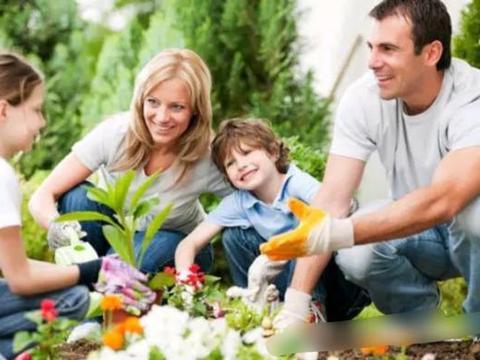 言传身教,是给孩子最好的礼物,父母一定要明白3点