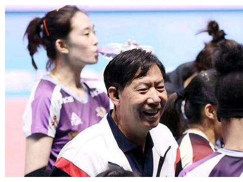 王宝泉携李盈莹、姚迪出席天津女排球迷见面会,为什么朱婷却缺席